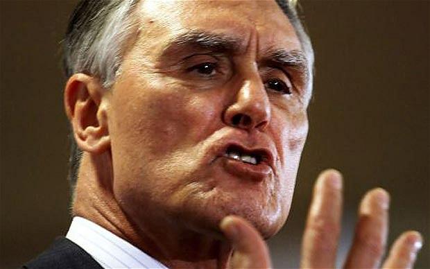 Portugal : Le président Anibal Cavaco Silva met « son veto » au droit à l'adoption par les couples de même sexe