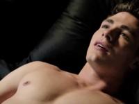 Colton Haynes, célèbre pour ses rôles dans Teen Wolf et Arrow, vient apparemment de faire son « coming out »