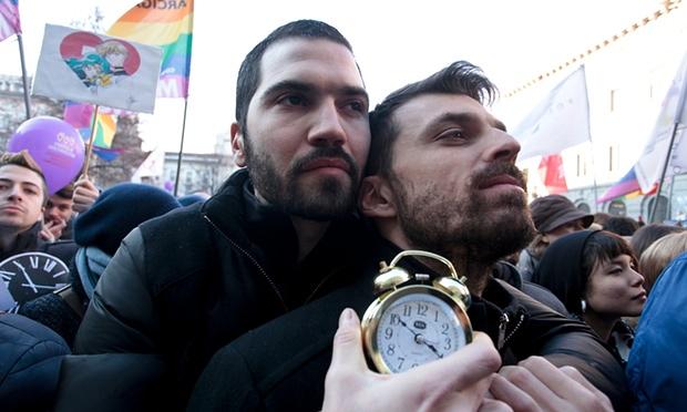« Unions civiles » entre conjoints de même sexe : « La société italienne est prête » mais le débat s'annonce houleux ! (VIDEOS)