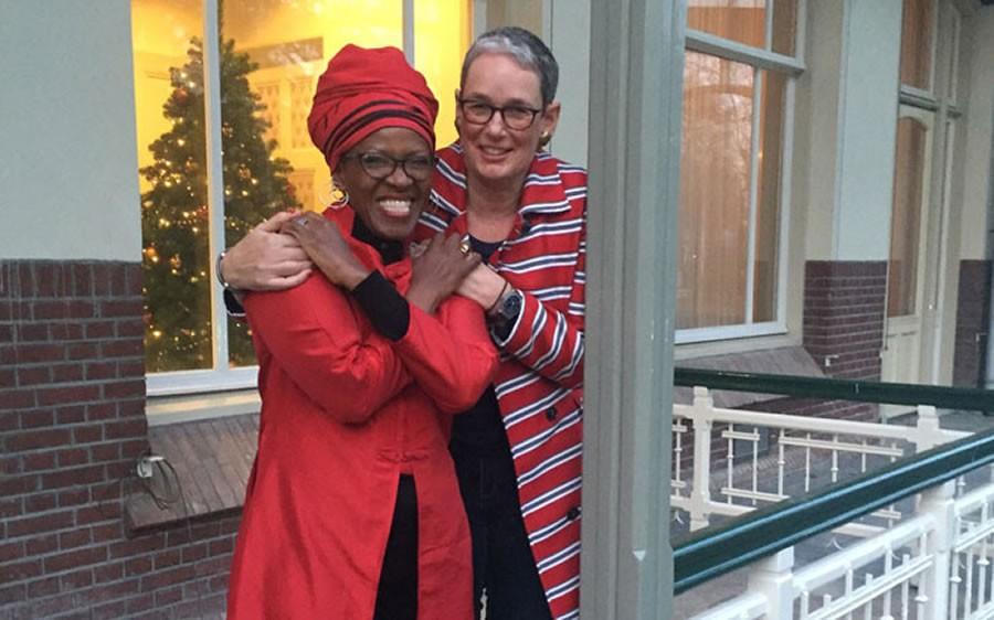 La révérende Mpho Tutu, fille de Mgr Desmond Tutu, archevêque émérite sud-africain, a épousé sa compagne