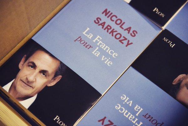 « Mariage pour tous » : Nicolas Sarkozy « lâche tout » et s'attire les foudres des opposants à la loi (VIDEOS)