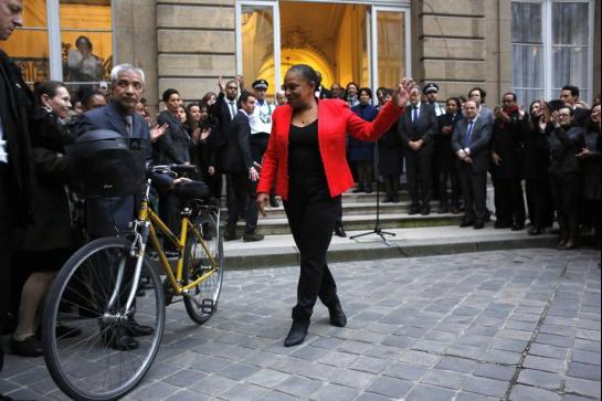 Vidéos. Christiane Taubira « invaincue » claque la porte du gouvernement sur un « désaccord politique majeur »