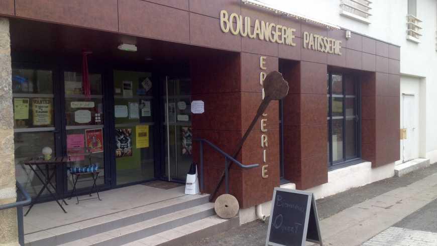 Creuse : Victime d'homophobie, un couple de boulangers « reconnaissant devant l'élan de soutien de la population »
