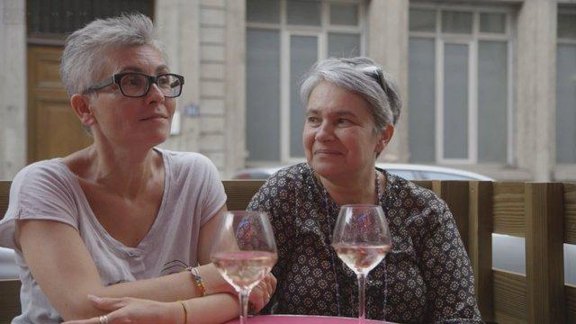 « De l'autre côté » : un documentaire rare qui raconte simplement « des histoires de femmes »
