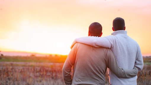 Ces homosexuels qui considèrent que les relations intimes entre personnes du même sexe sont un « péché »