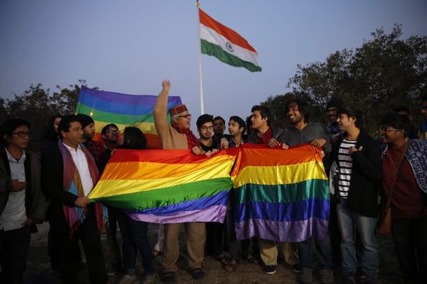 Inde : La Cour suprême va réexaminer la loi qui pénalise les relations entre personnes de même sexe