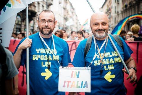 Italie : Les associations de défense des homosexuels contre une union sans possibilité d'adopter
