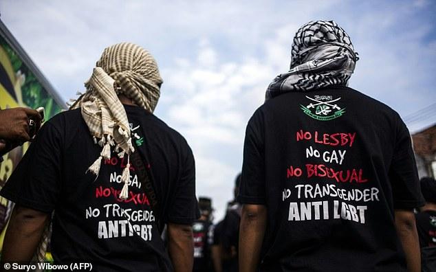 L'Indonésie préconise des « techniques de guerre moderne » pour lutter contre la « menace LGBT »