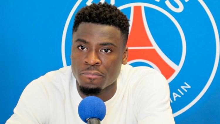 Football : L'entraîneur du Paris-Saint-Germain a du mal à digérer les propos homophobes de Serge Aurier