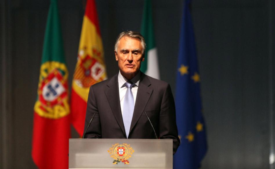 Portugal : En dépit du veto présidentiel, le Parlement confirme une loi autorisant l'adoption par les couples homosexuels