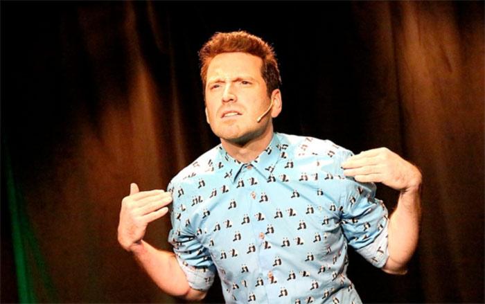 « Bon à marier » : le parcours théâtral d'un comédien « sans filtre » à la conquête de la capitale (VIDEOS)