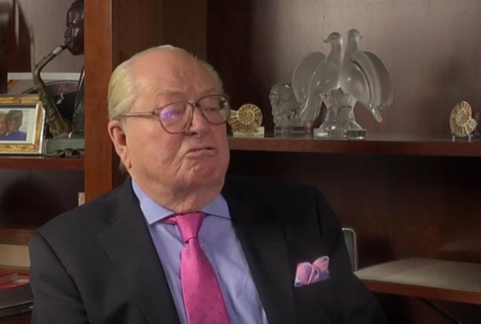 Selon Jean-Marie Le Pen : « la pédophilie a trouvé ses lettres de noblesse dans l'exaltation de l'homosexualité » (VIDEOS)