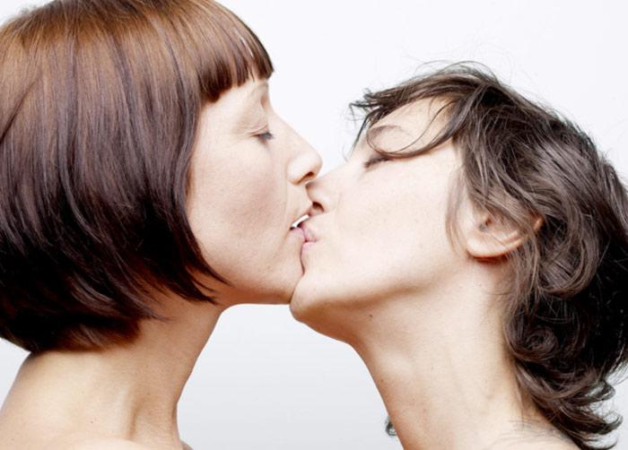 Multiplication de films, coming out de personnalités… Les histoires d'amour entre femmes sortent de l'ombre