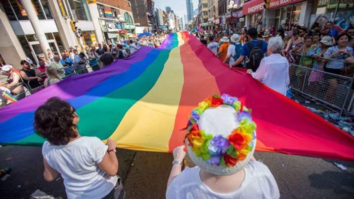 Le Canada envisage d'accorder « un pardon » aux homosexuels condamnés pour leur orientation (VIDEO)