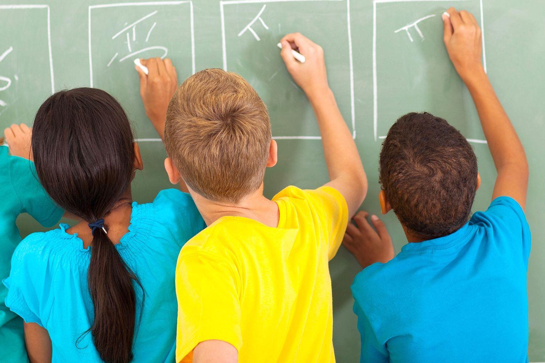 Dans « une approche inclusive », des écoles anglaises proposent aux enfants de choisir le « genre » auquel ils « s'identifient le plus »