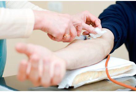 Don de sang des homosexuels : « Une contre-indication de douze mois à compter du dernier rapport »