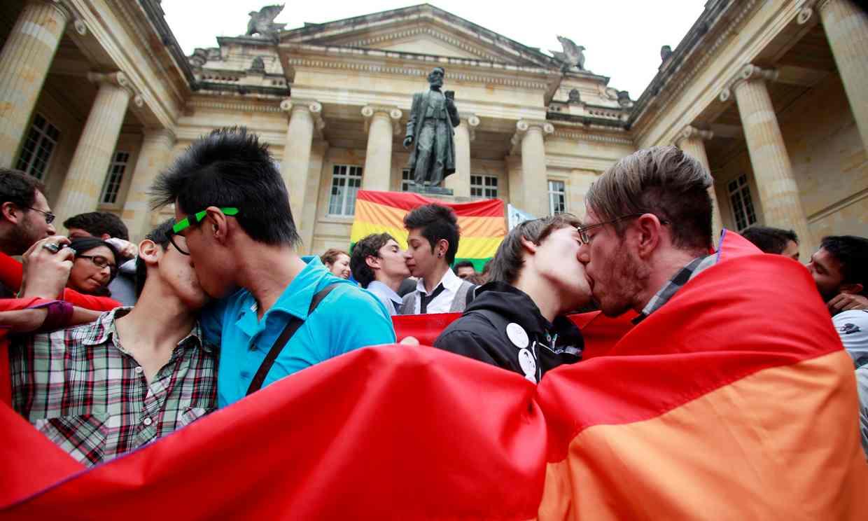 Vote historique de la Cour constitutionnelle colombienne en faveur du mariage entre personnes du même sexe (VIDEO)