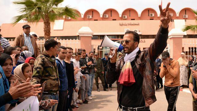 Agression homophobe au Maroc : le procès de la victime et de ses 3 agresseurs reporté (VIDEO)
