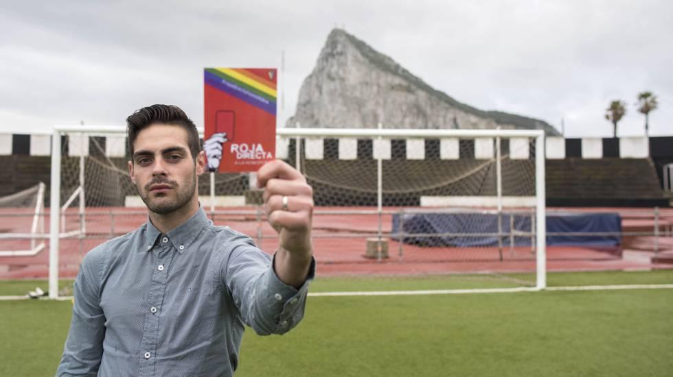 Jesus Tomillero : Après 10 ans d'arbitrage, il range cartons et sifflet pour s'engager contre l'homophobie dans le sport
