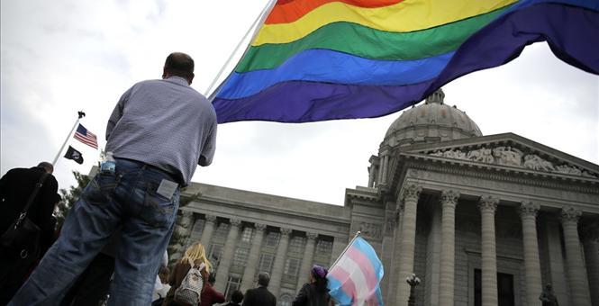 Le projet de réforme constitutionnelle visant à légaliser le mariage de même sexe divise le Mexique
