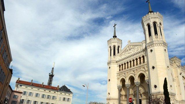 """""""Réquisitoire contre une certaine église"""" : le plaidoyer d'un prêtre du Rhône victime d'abus sexuels"""