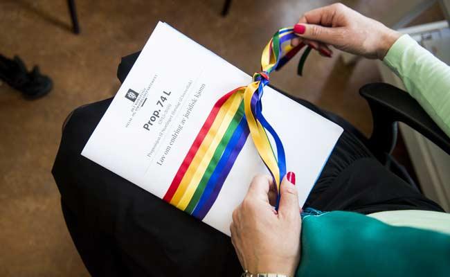 Droits des personnes transgenres : une procédure rapide pour faciliter le changement d'état civil en Norvège