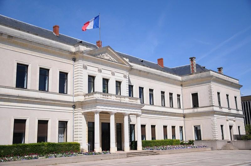 Angers : ces élus du conseil municipal « réticents » à célébrer un mariage de même sexe (VIDEO)