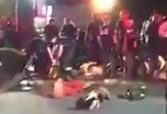 Fusillade dans une boîte gay à Orlando : plusieurs dizaines de victimes, le preneur d'otages abattu (VIDEOS)