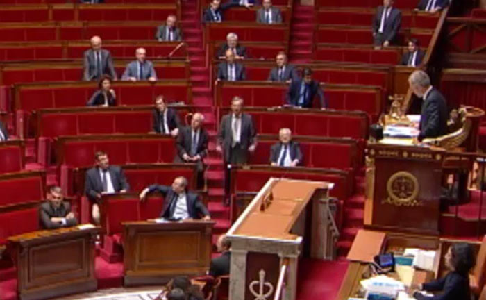 Offensive « anti-GPA » : la droite tente sans succès de prolonger le match à l'Assemblée (VIDEOS)