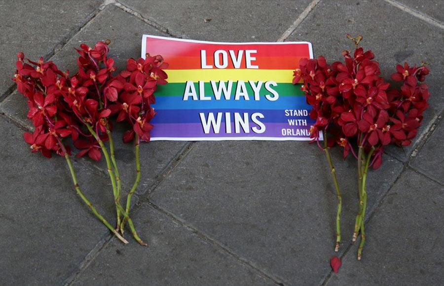 Massacre homophobe d'Orlando : hommage à la communauté LGBT partout dans le monde (PHOTOS/VIDEOS)