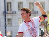 Cinéma : Gus Van Sant retrace l'épopée politique et intime d'Harvey Milk, icône de la cause LGBT (VIDEOS)