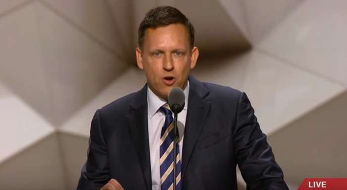 Peter Thiel, cofondateur gay de PayPal, soutient Donald Trump pourtant hostile à l'avancée des droits LGBT (VIDEO)