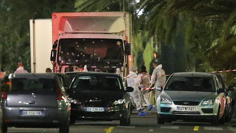 Nice endeuillée un soir de fête nationale : soutien aux familles des victimes et aux blessés