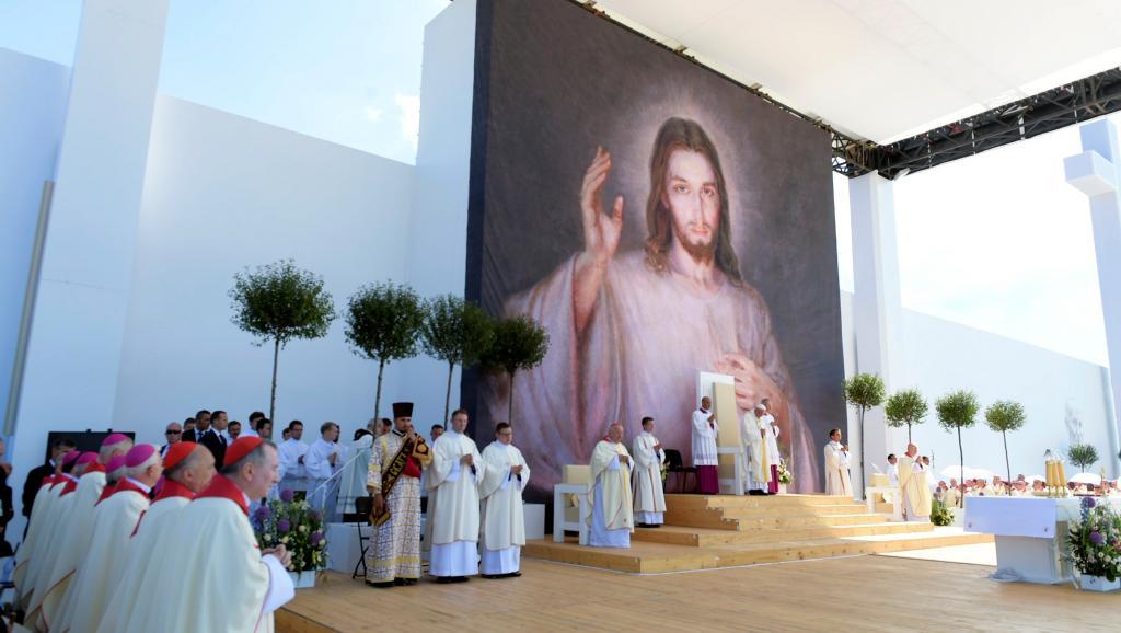 Aux JMJ en Pologne, des parents demandent au pape d'agir contre l'homophobie qui « submerge » la société