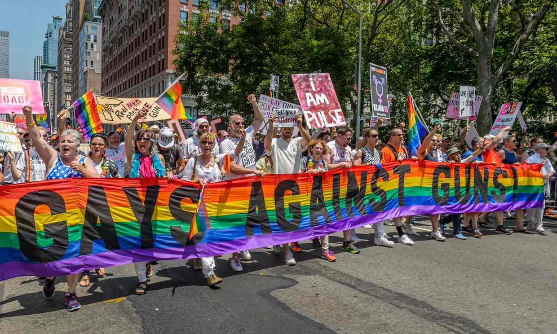 Fusillades de masse aux Etats-Unis : une association LGBT en campagne contre l'industrie des armes (VIDEO)