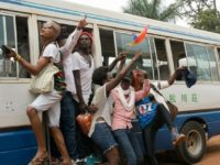 Mini « Gay Pride » ougandaise : une quarantaine de manifestants brutalement « évacués » par la police