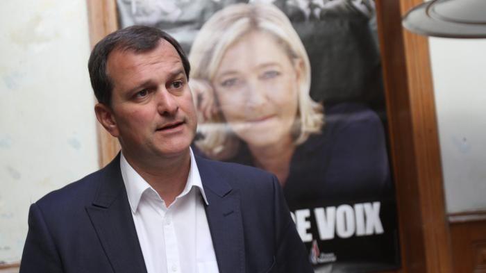 Mariage pour tous : Le FN, « seule formation politique à oser l'abrogation », se targue Louis Aliot