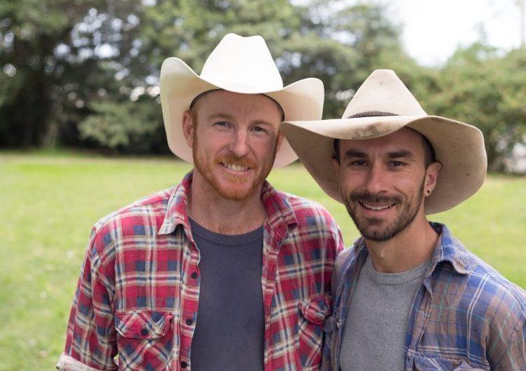 En couple depuis six ans, deux cowboys australiens font campagne pour le « mariage gay » (VIDEOS)