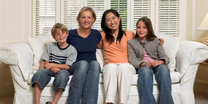Homoparentalité : L'APGL agrée par les associations familiales dans 12 départements français
