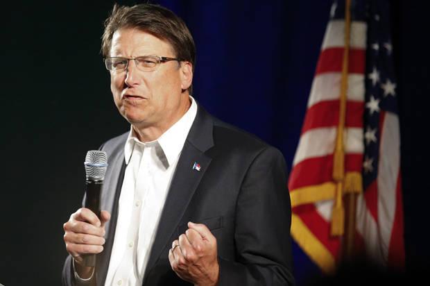 USA : Candidat à sa réélection, Pat McCrory, le gouverneur homophobe de Caroline du Nord battu