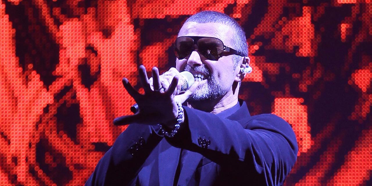 Quand George Michael se produisait à l'Opéra Garnier en faveur de la lutte contre le Sida (VIDEOS)