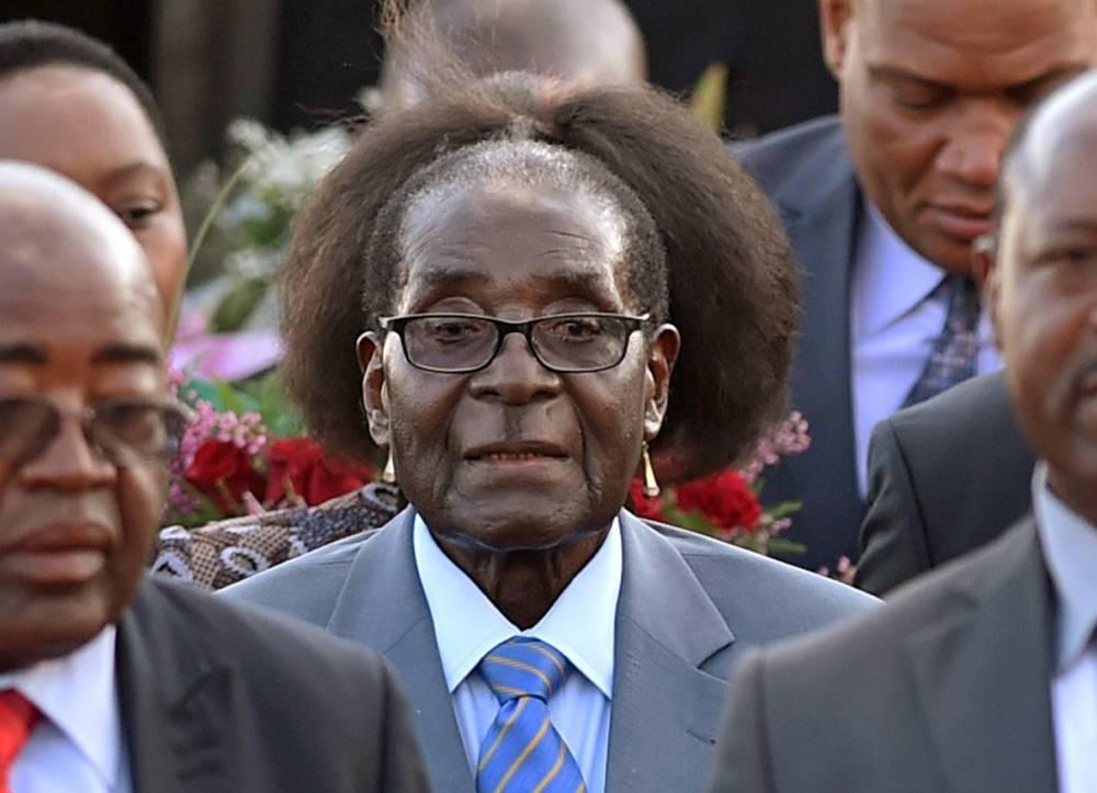 Au Zimbabwe, Robert Mugabe promet la libération d'un couple gay emprisonné, « quand l'un sera enceinte de l'autre ! »