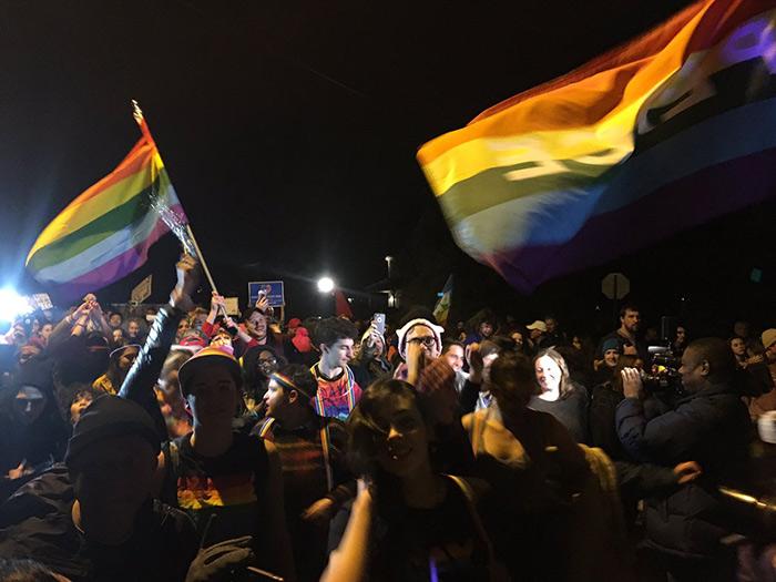 Une « queer dance party » pour souhaiter « la bienvenue » à l'ultra-conservateur futur vice-président américain (VIDEOS)