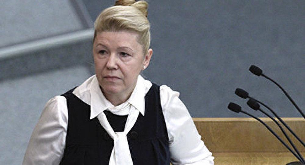 Violences domestiques : la Russie vote la dépénalisation sous l'impulsion de la députée à l'origine de la loi anti-gay