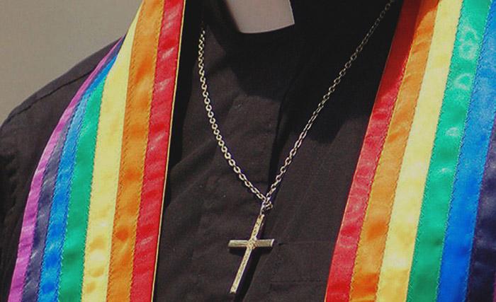 Confession d'un prêtre gay en Russie : « nous vivons sous un régime totalitaire, où l'on n'a pas le droit de revendiquer sa différence »