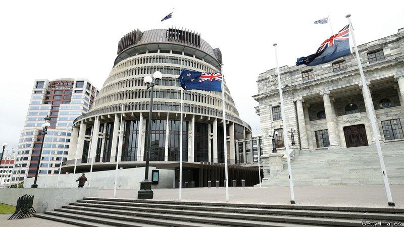 Nouvelle-Zélande : les condamnations pour « homosexualité » avant 1986 disparaissent des casiers judiciaires (VIDEOS)
