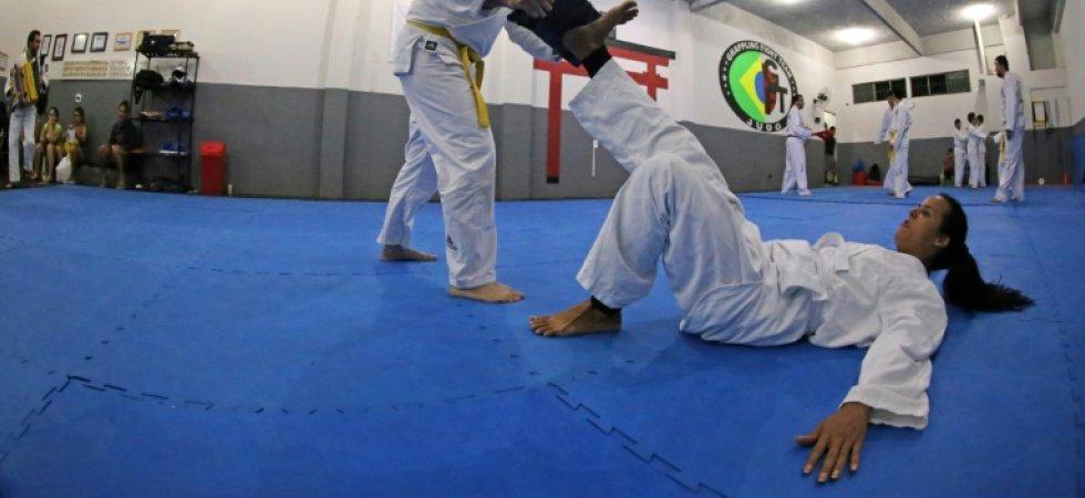 Brésil : des cours d'auto-défense dédiés au public LGBT, « touché de plein fouet par la violence »