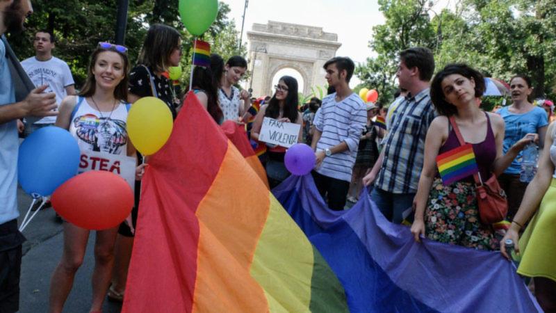 Mobilisation en Roumanie contre une proposition d'amendement constitutionnel visant à faire interdire le mariage pour tous
