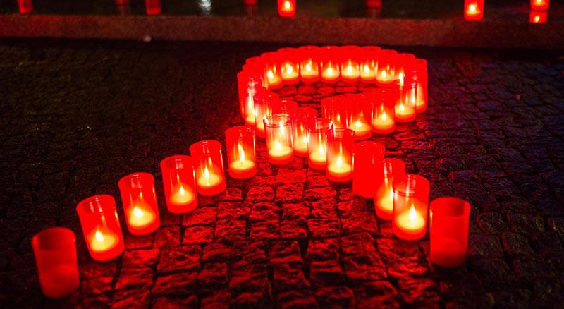 À partir de 2018, les personnes séropositives au VIH ou à une hépatite pourront bénéficier de soins funéraires (VIDEO)