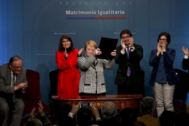 Chili : un projet de loi pour légaliser le mariage et l'adoption pour tous déposé au Congrès